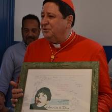 Il Cardinale ringrazia l'Associazione del dono ricevuto
